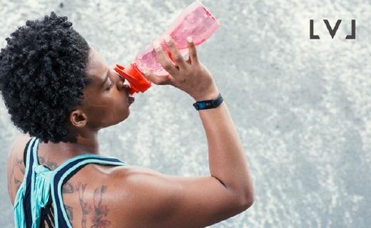 红外监测身体水含量的智能手环,帮你保持水平衡
