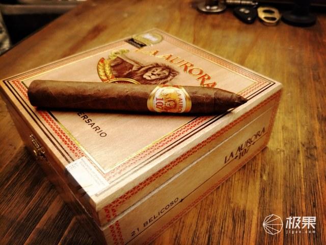 蒙特克里斯托(MONTECRISTO)丘吉尔ANEJADOS(25)雪茄