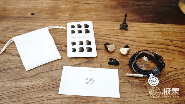可换线设计,爱折腾的发烧友都喜欢,TFZ锦瑟香也耳机评测