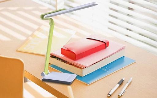 飞利浦炫彩台灯:五档触摸调节,三段折叠,带USB口给手机充电