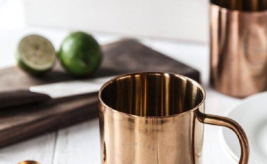 述物镀铜马克杯:北欧极简造型风格,镀铜工艺质感出色