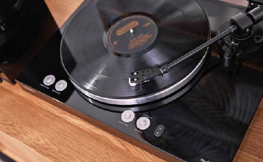 复古与科技的结合:雅马哈黑胶唱片情怀爆表,还支持蓝牙连接