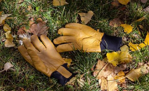 黑钻Transition手套:关节掌心垫层?;?,山羊皮材质透气耐磨