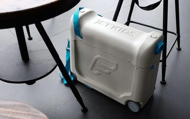 行李箱变睡床,解决了孩子旅行路上睡觉的问题 — 挪威JETKIDS BEDBOX儿童行李箱体验 | 视频