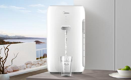 美的M2直饮水机:净化加热一体,进口五层复合滤芯更换费用低