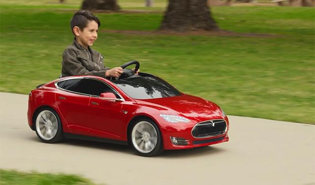 特斯拉 Model S 儿童版 首发试用