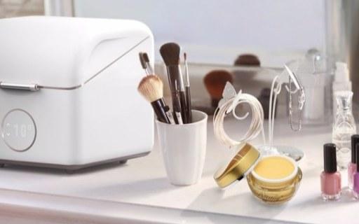 专为化妆品收纳的小冰箱!美妆达人必备品