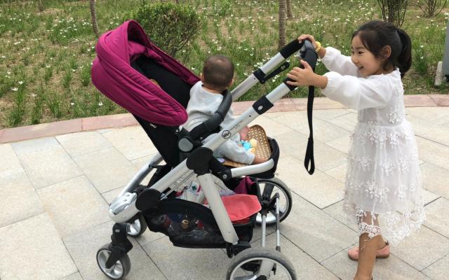 带宝宝出行更省心的选择,HBR虎贝尔儿童推车T1体验