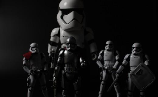 堕入黑暗面!优必选第一军团冲锋队员机器人