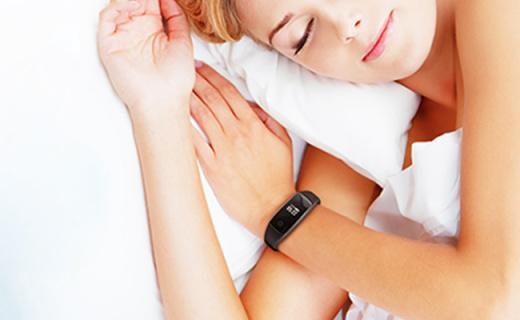 香山moving heart手环:亲肤硅胶表带,实时心率监测久坐提醒