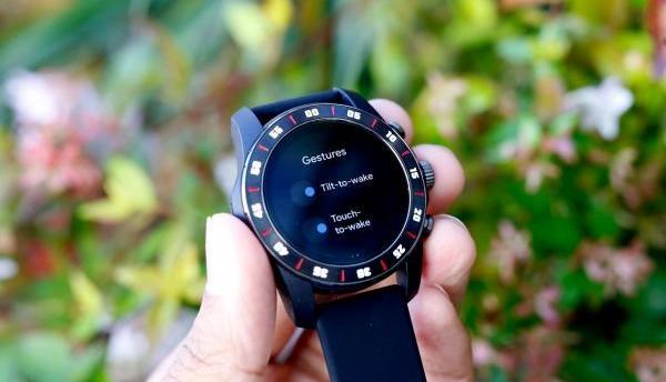 万宝龙Summit 2智能手表曝光,搭载骁龙3100芯片