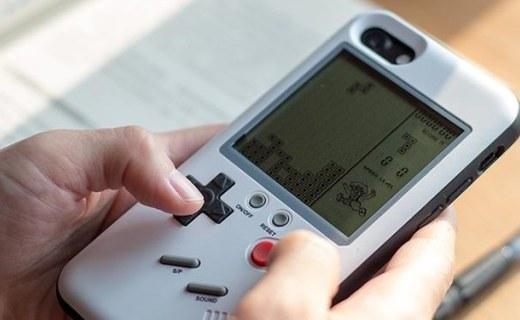 打发时间的利器 这款?;ぬ啄馨裪Phone变成掌上游戏机
