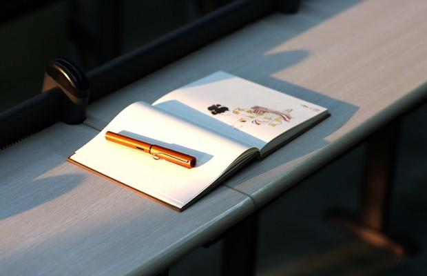 追忆大学美好的四年,再回母校,钢笔也可以很美