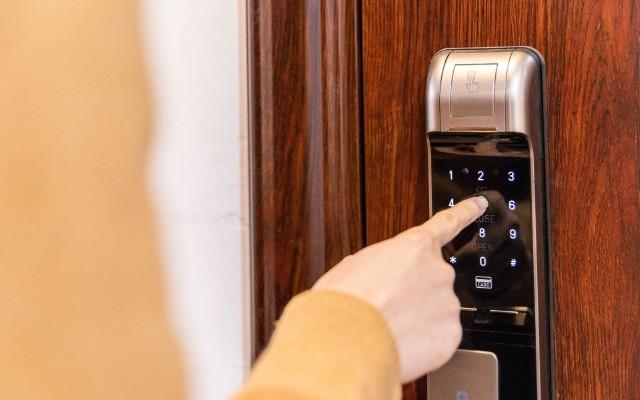 媽媽再也不用擔心出門我沒帶鑰匙了—— 紐威爾智能鎖N71