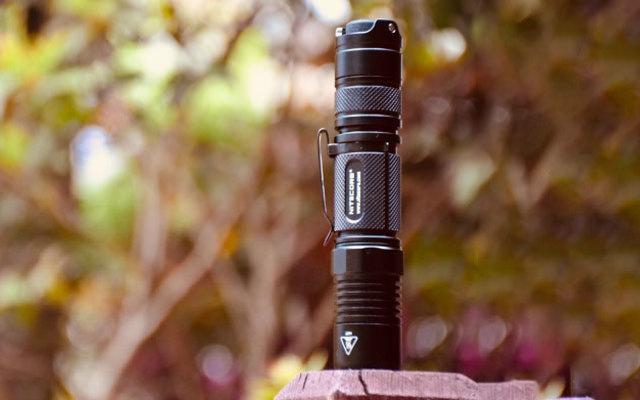 防水耐操兼顾颜值,雄性激素爆棚的战术手电筒