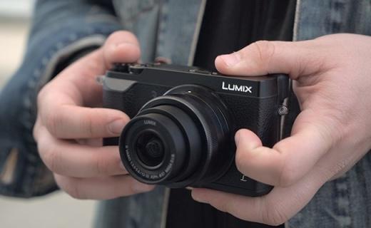 松下DMC-GX85相机:双重防抖机身,支持4K和先拍照后对焦
