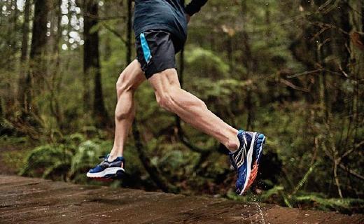 圣康尼新款跑鞋,持久缓震,跑再远都很舒适