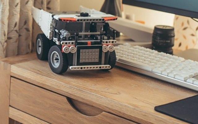 真实还原汽车的配置,培养小朋友的动手能力 — 米兔积木矿山卡车体验