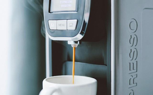 10秒钟做一杯咖啡,有它这个冬天可以更温暖 — MiTALY胶囊咖啡机体验 | 视频