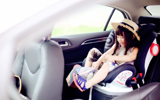 超舒适儿童安全座椅,孩子坐上去就不想起来 | 视频