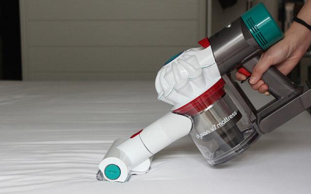 黑科技超强吸力,床褥除螨不再只靠晒太阳 — 戴森V7 Mattress手持除螨仪吸尘器体验