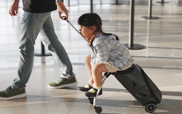 行李箱秒变推车,出门带娃神器—米高行李箱   视频