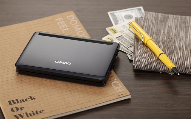 卡西欧(CASIO)E-F800CASIO卡西欧电子辞典E-F800多国语经典机订制礼盒(E-F800DB+凌美宝珠笔)英日法德汉五大语言学习留学出国琉璃蓝