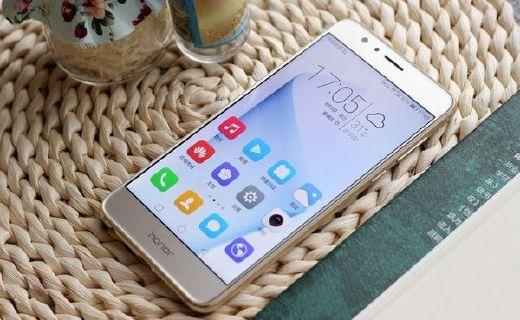 荣耀8手机:2.5D玻璃屏触觉体验,多功能指纹键智能使用
