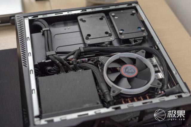 体积比PS4还小,将小钢炮塞进更狭小的空间——微星海皇戟X