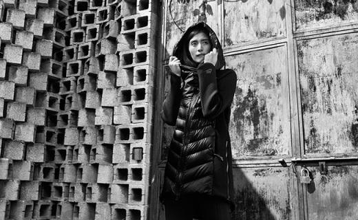 耐克Sportswear女士羽绒服:3毫米超薄面料,出色保暖性能