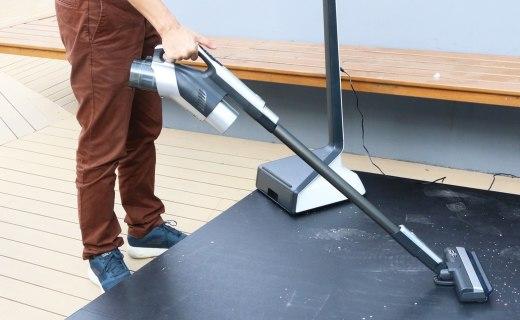 松下吸尘器推新:吸拖一体,机身仅重1.15kg!