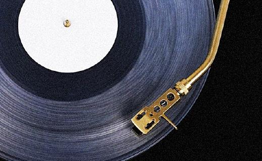 黑胶唱机中的颜值担当,和Siri一样能听歌识曲