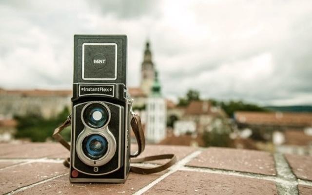 复古与现代技术结合,是相机更是时间记录仪 — Lomography Lubitel 166+ 复古拍立得相机体验 | 视频