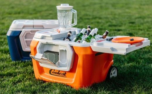 可放10瓶酒的冰镇箱,能做冰沙还能给手机充电