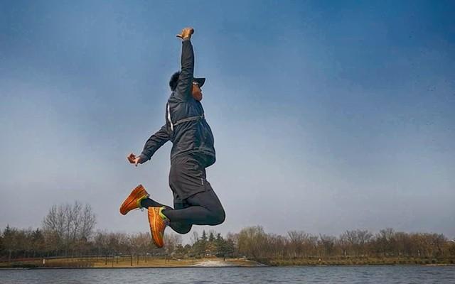 全地形实测泰尼卡至尊跑鞋,越野跑终极利器 — 泰尼卡 至尊MAX3.0户外跑鞋评测 | 视频