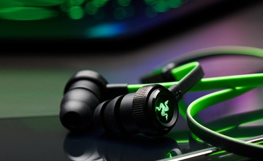 Razer战锤狂鲨BT版耳机:低音澎湃高音透亮,骚气惹眼运动风
