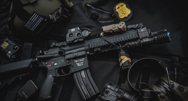 黑暗中的高射炮,武士满血归来——傲雷武士X战术手电测评
