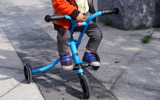 轻巧便携方便出行,简直是溜娃神器 — MicroTrike XL驰克散步车使用体验