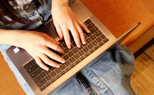 轻薄与性能兼顾,指纹解锁笔记本中性价比之王 —  荣耀MagicBook体验