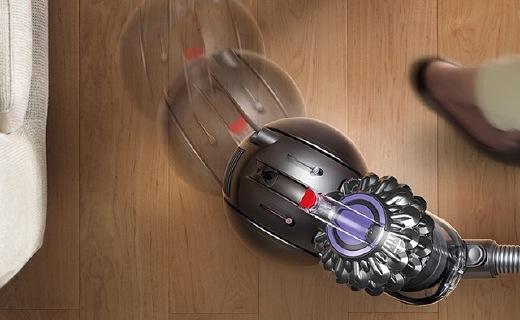 戴森圆筒吸尘器超强吸力,跌倒还能自己站起来