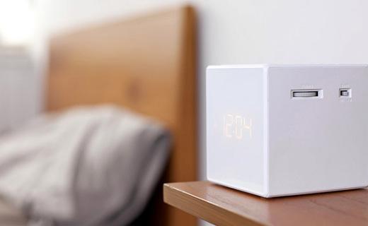 索尼ICFC1闹钟收音机:立体几何造型,小身材大功能