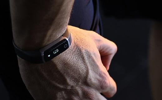 乐心ziva智能手环,心率监测24小时不间断