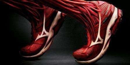 美津浓SPARK2跑鞋:网面材质透气舒适,EVA中底轻盈缓震