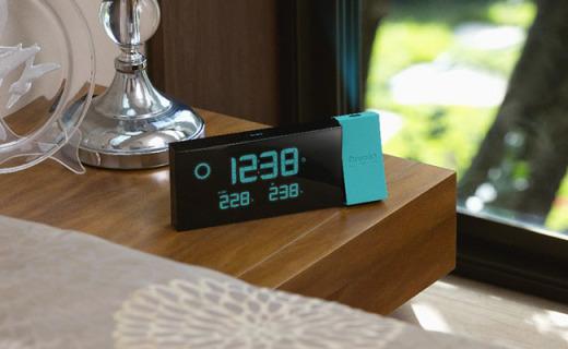 欧西亚棱光温度投影钟:映射时间还有穿衣提醒,秒变浪漫居家暖男