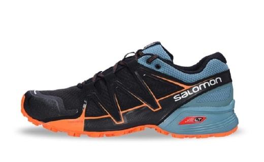 萨洛蒙越野跑鞋:SENSIFIT智能鞋楦设计,全方位包覆有效保护脚趾