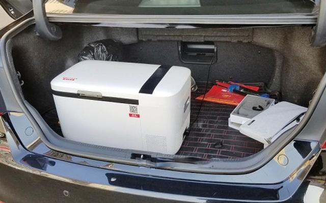 -18℃快速制冷,智能控温车载冰箱的不二之选 — 英得尔双温双控智能车载冰箱体验