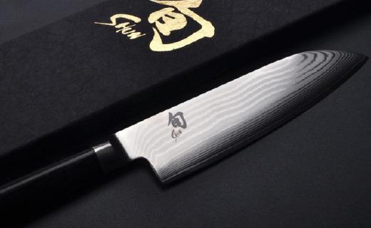 貝印主廚刀:雙面開刃保留原汁原味,刀身大馬革鋼紋理
