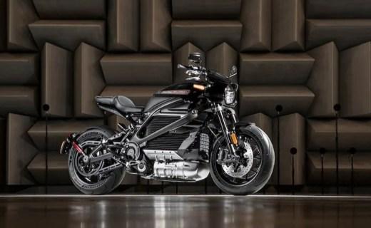 哈雷LiveWire电动摩托车明年上市,全铝车身,4秒破百!