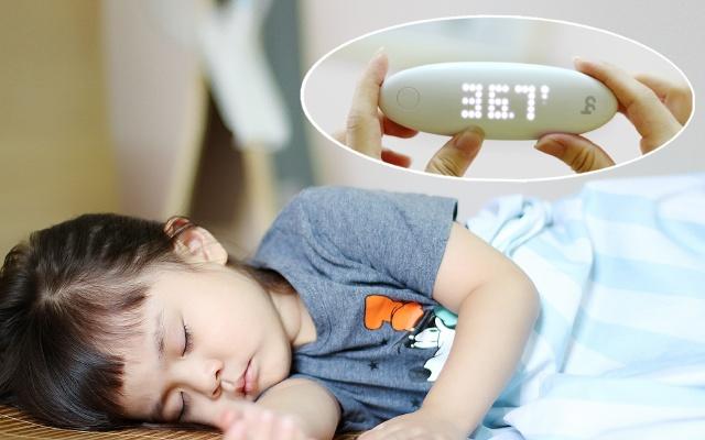 1秒精确测量宝宝体温,棒米智能耳温计测评 | 视频