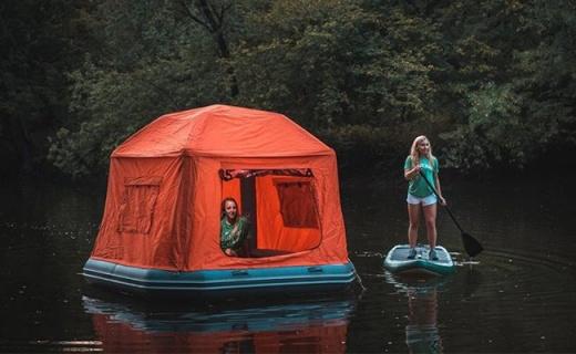 睡在水上是怎样的体验?全球首款充气浮筏帐篷